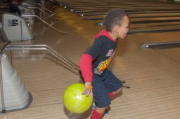 _DSC4808: Bowling action, Credit: Claude Laviano