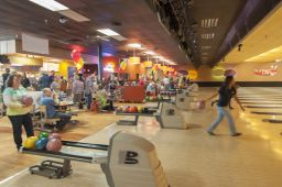_DSC4812: Bowling action, Credit: Claude Laviano