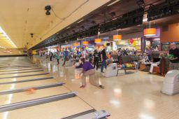 _DSC4828: Bowling action, Credit: Claude Laviano