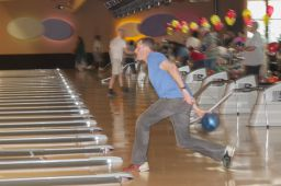 _DSC4837: Bowling action, Credit: Claude Laviano