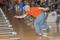 _DSC4838: Bowling action, Credit: Claude Laviano